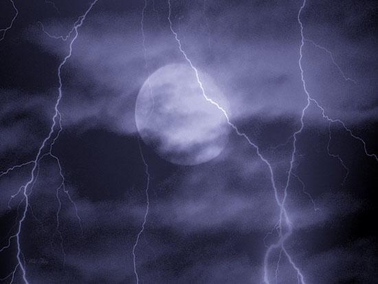 lightning-moonsm